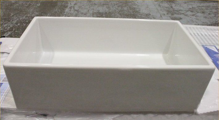 Very large 760mm Belfast sink with frame front